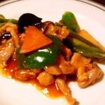 上海老飯店 - 鶏肉のピリ辛炒め