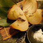 115910158 - 淡路島産玉葱の炙り焼き