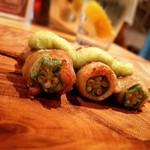 炭焼スタンドツジヤ - 野菜肉巻き串(オクラ)