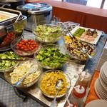 レストラン&バー ベルマルシェ - サラダも沢山