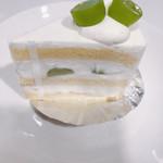 パティスリートキワ - 季節感満載♪シャインマスカットのショートケーキ