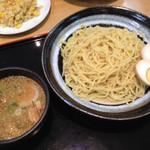 らーめん EBISU - 特製太麺 魚介豚骨 つけめん 724円+煮玉子 105円