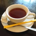オステリア・ターミア - 食後の紅茶