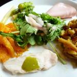 欧風小皿料理 沢村 - 彩り野菜のサラダ
