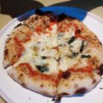 レストラン ボンジョリーナ - これはパートナーのマルゲリータ