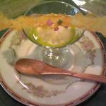 11596555 - スープにオリーブオイルをかけて♪焼パルメザンチーズと合う
