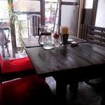 旧ヤム邸 - テーブル席