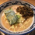 関西 風来軒 - 2杯目は、辛子高菜も加えて、味変も完了
