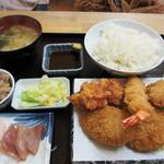 旬鮮厨房三浦や - ミックスフライ定食