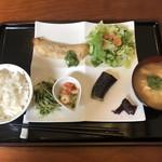 らふらんす2 - 料理写真:日替りA定食(タラのオーブン焼き)(税込780円)