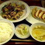 福しん 上板橋店 - 福しん 上板橋店 回鍋肉定食 580円 + ギョウザ 100円