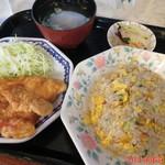 中華料理 一来一来 - 料理写真:やきめしとからあげセット 750円(税別)