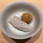 115993379 - 鰹1番出汁茹で メバルと蓮根饅頭                         メバルが滑らか(^O^)/