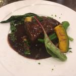 ビストロ・ラ・カシェット - 黒毛和牛赤ワインとトリュフ煮込み