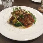 ビストロ・ラ・カシェット - 若鶏のグリエ 白ワインとトマトのソース