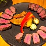 肉バル brother - 赤身肉3種食べ比べ