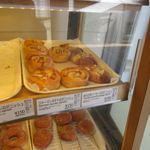 ウィリー ウィンキー - 私もパンを選んで飲み物と一緒にカフェスペースで軽く休憩。
