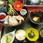 11600405 - 「館山炙り海鮮丼」特製三段どんぶり使用 1500円