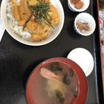 北のにしん屋さん - ウニ丼(小)