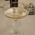 鮨割烹みどり - 乾杯のシャンパン