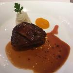 メープルヒル - 料理写真:牛フィレ肉とフォアグラ