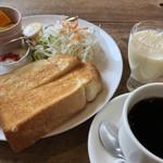 もんちっち3 - 料理写真:モーニング(トースト)♪ 500円