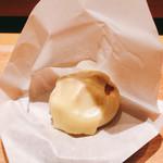 116021816 - 肉まんのゴーダチーズ和え