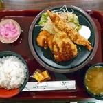 養老サービスエリア(上り線)スナックコーナー - 料理写真:ミックスフライ定食(ソースをかけました)