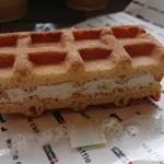 R.L WAFFLE CAFE - 山形ラフランスのワッフル¥151-