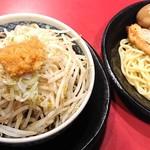 116036669 - バカ馬つけ麺 煮卵付き850円(魚介醤油)
