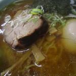 平塚ラーメン - 基本の具は、叉焼、メンマ、海苔、葱(煮たまごはトッピング)