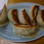 平塚ラーメン - 餃子は1個¥90(最低3個から注文可)