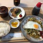 二代目 男寿狼 - 横手やきそば定食(750円)