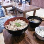 桔梗家 - 柳川丼(骨抜き)