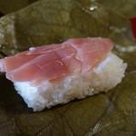 九和楽 - 料理写真:茗荷の柿の葉ずし