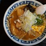 おせっかい 八兵衛 - 料理写真:八兵衛味噌ラーメン(¥680税込み)