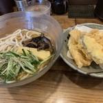 うどんおよべ - 料理写真: