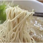 116061295 - 麺は無難にウマイです。