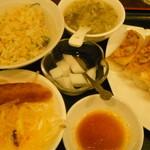 萬家餃子房 - 焼き餃子定食:550円
