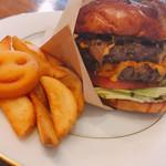 ラルフズ バーガーレストラン - 料理写真:ダブルチーズバーガー 1350円