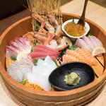 こんぴら丸 - 料理写真:漁師の刺身盛2990円 美味い