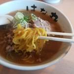 花丸 - 味噌ラーメン、麺リフト