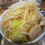 麺場 七人の侍 - 三郎特盛り野菜増しニンニク増し(680円)
