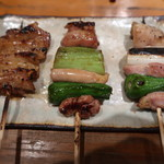 串焼とこころ 克 - 地鶏のねぎま(2種)(タレ/塩):470円と軍鶏の皮(タレ):250円