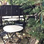 コピエ - 三角形の部分のカフェ席