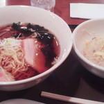 11609360 - 月曜日限定210円ラーメン&半炒飯(500円)