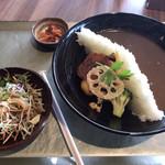 阿蘇東急ゴルフクラブ カフェテリア - 料理写真:ダムカレー