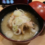 金沢まいもん寿司 - 喉黒あら汁:390円