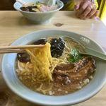 きく家 - 魚骨ラーメン  麺リフトアップ