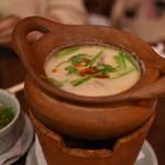 タイの食卓 クルン・サイアム - トムカーガイ